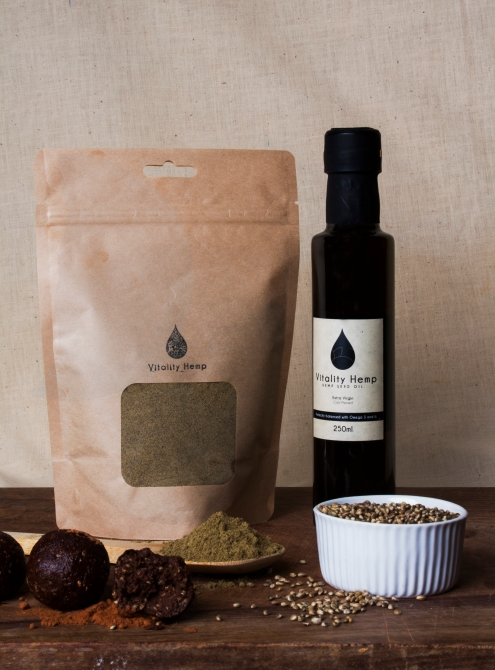 wood-powder-and-hemp-seeds-oil-and-balls-ev